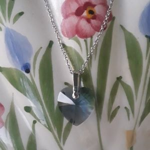 🎁 50 % OFF TODAY NWT BEAUTIFUL NECKLACE